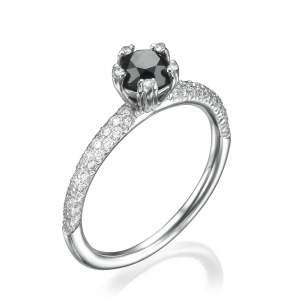 טבעת יהלומים מלכותית בלאק קווין